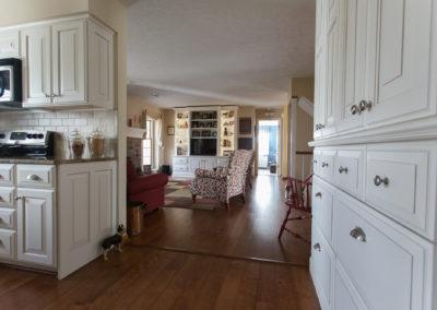 Classic White Kitchen4